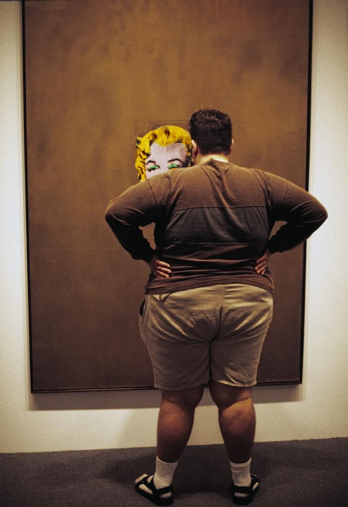 Thomas Hoepker, Fat man in front of